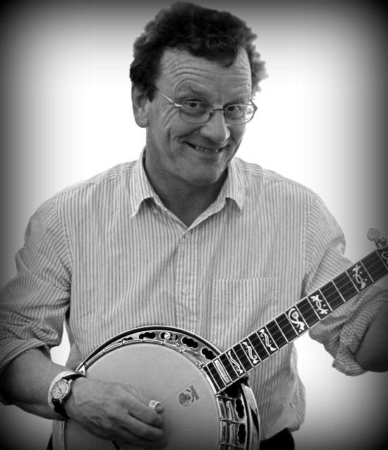 Bill Forster at eagle Music banjo 10 2016 with the