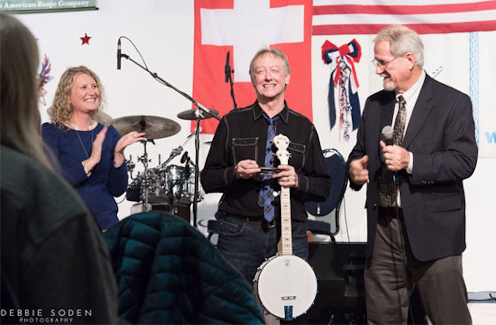 Steve Noon presented with Blue Banjo at Banjo 2020